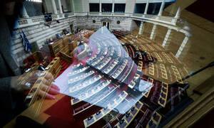 Αναθεώρηση Συντάγματος: Αυτοί είναι οι βουλευτές που απείχαν από την ψηφοφορία