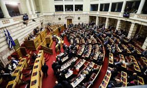 Συνταγματική αναθεώρηση: Υπερψηφίστηκε το άρθρο για τις σχέσεις Κράτους-Εκκλησίας