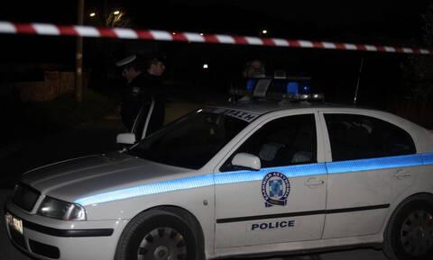 Επίθεση με γκαζάκια στο Ειρηνοδικείο Περιστερίου
