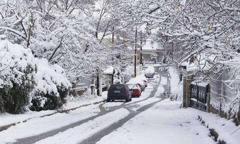 Καιρός: Η «Χιόνη» επιμένει με χιόνια, βροχές και θυελλώδεις ανέμους - Πού θα «χτυπήσει» η κακοκαιρία