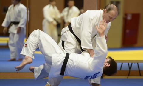 Ρωσία: Ο Πούτιν τραυματίστηκε σε αγώνα τζούντο (vid)