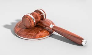 ΑΤΕ: Για κακουργήματα καλούνται να απολογηθούν 13 κατηγορούμενοι