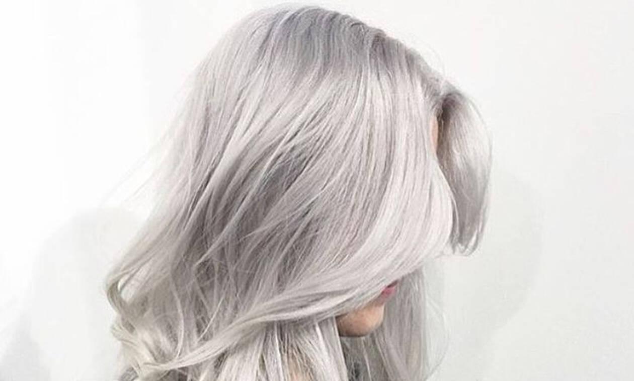 Μάχη για το απόλυτο trend στα μαλλιά: Ροζ ή γκρι-ασημί;