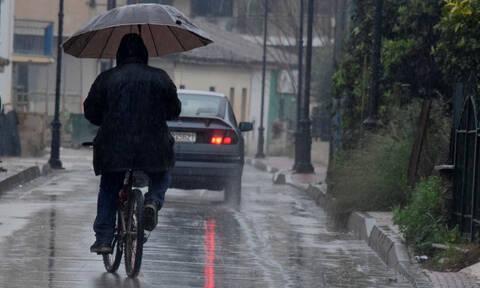 Κακοκαιρία: Η Χιόνη «έπνιξε» Χανιά και Εύβοια