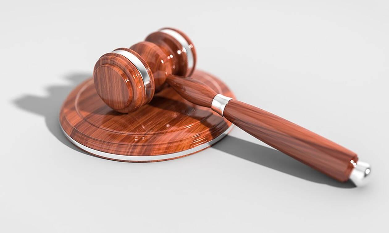 Τρίκαλα: Ένταση στη δίκη για τις κλεμμένες 4.600 λίρες