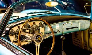 Αλλάζει το πλαίσιο για τα αυτοκίνητα- αντίκες: Ποια θα συνεχίσουν να κυκλοφορούν