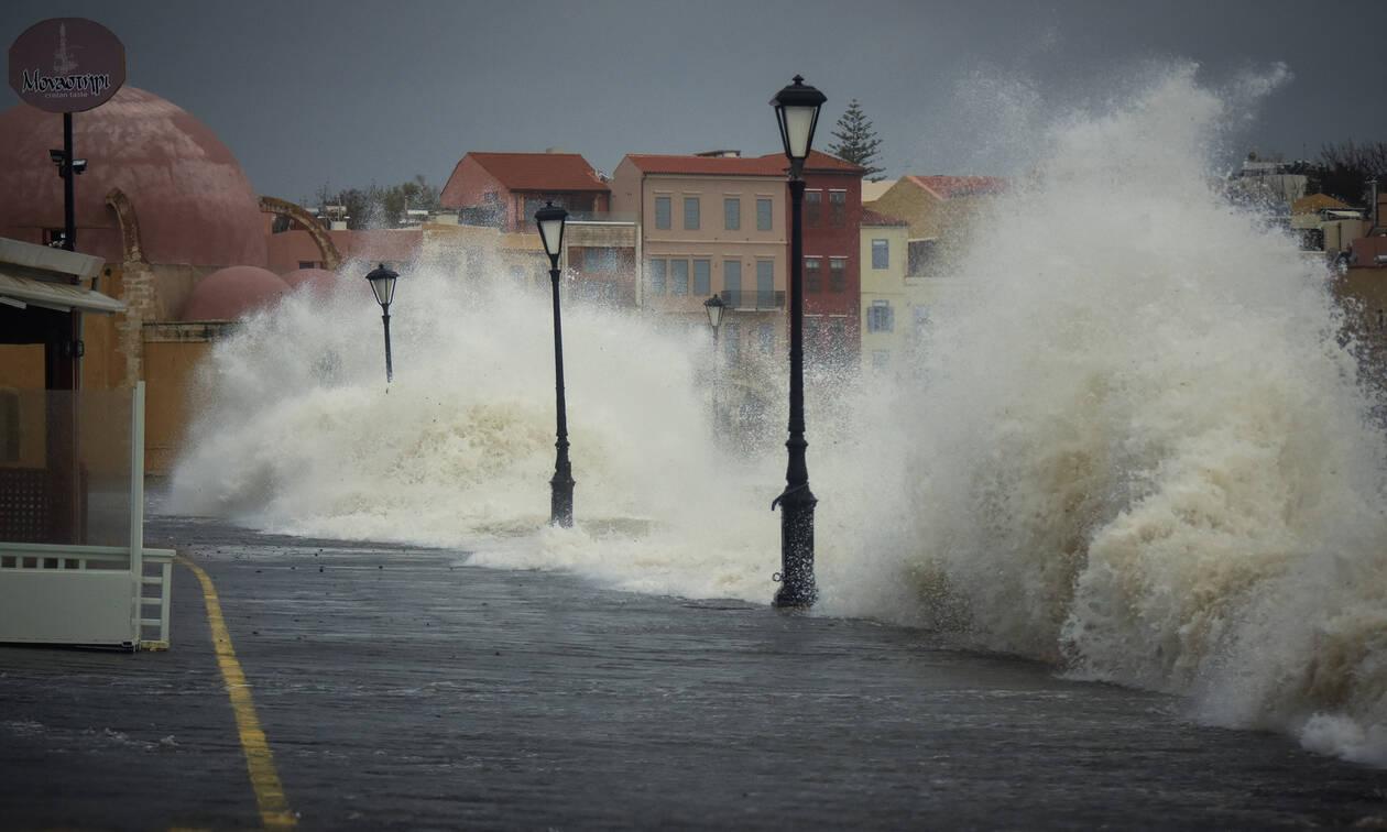 Καιρός: Η κακοκαιρία «έπνιξε» τα Χανιά - Συγκλονίζουν οι εικόνες από τις βιβλικές καταστροφές