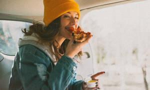 2 τρόποι για να σταματήσεις να νιώθεις πεινασμένη όλη την ώρα