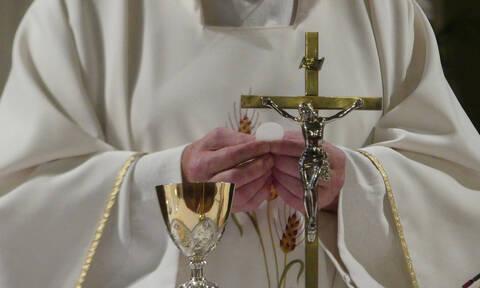 Οργή θεού: Πήγε να κλέψει ιερέα και πέθανε ακαριαία - Δείτε γιατί