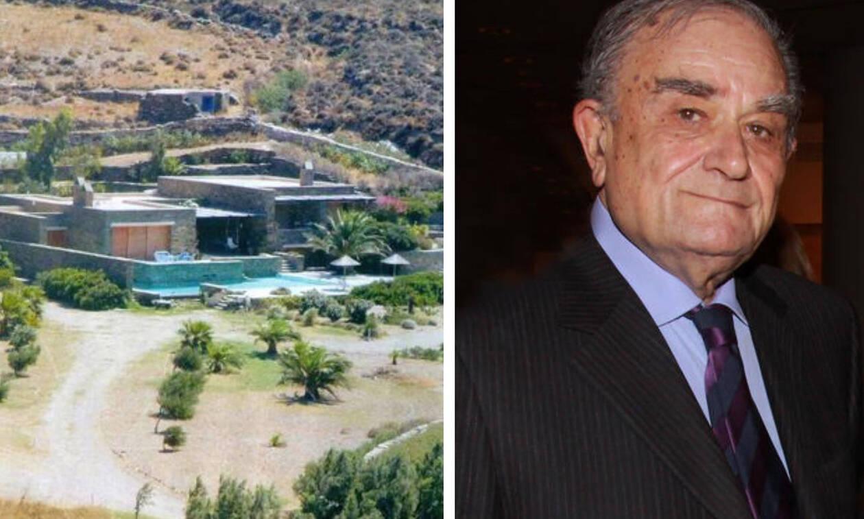 Αυτός αγόρασε τη βίλα του Φυντανίδη στην Τήνο – Πλήρωσε 1,8 εκατ. ευρώ