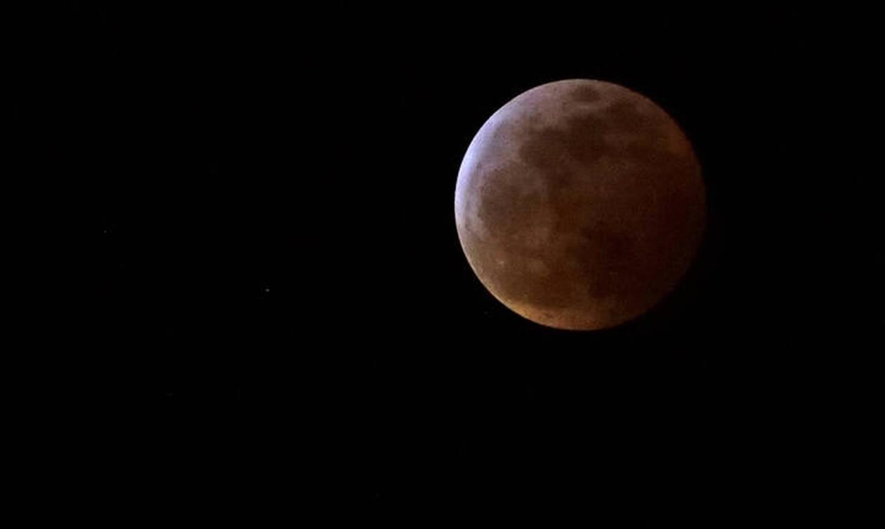 «Σούπερ χιονισμένη σελήνη»: Πότε θα δείτε το εντυπωσιακό φαινόμενο