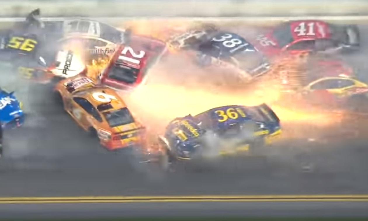 Τρομακτική καραμπόλα με 21 αμάξια! (video)