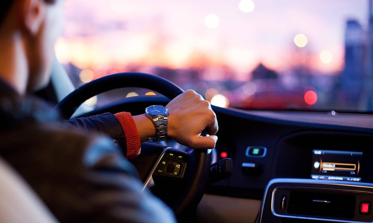 Στον «αέρα» πάλι τα διπλώματα οδήγησης - Νέα αποχή των εξεταστών