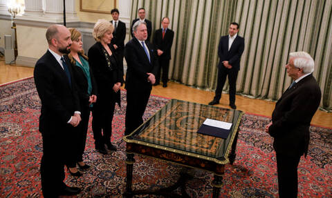 Ορκίστηκαν τα νέα μέλη της κυβέρνησης Τσίπρα - Οι πρώτες δηλώσεις