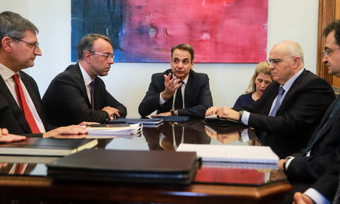 ND leader Mitsotakis proposes rewards for timely loan payers