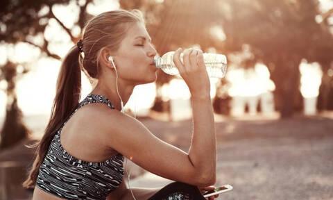 To workout των 10 ημερών για flat στομάχι και σφιχτούς γλουτούς