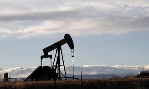 Ήπια κέρδη στη Wall Street - Σε υψηλό τριών μηνών η τιμή του πετρελαίου