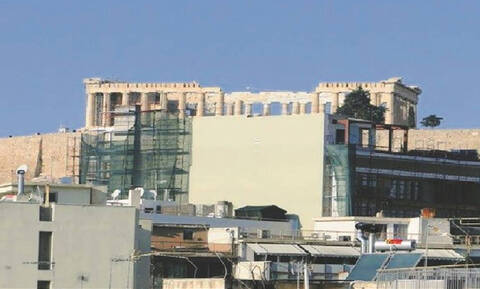 Жители района Кукаки возмущены строительством отеля, который будет закрывать вид на Акрополь