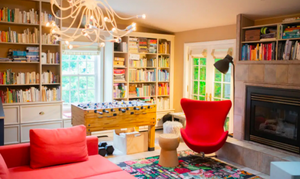Αυτό το υπέροχο χρωματιστό σπίτι στον Καναδά το θες ή έστω κομμάτια του