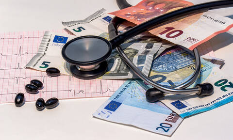 Διαβουλεύσεις στα υπουργεία Υγείας και Οικονομικών – Το clawback και η συμμετοχή των ασθενών