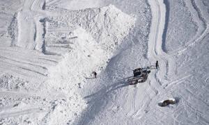 Βίντεο ντοκουμέντο: Σκιέρ στην Ελβετία θάφτηκαν στο χιόνι μετά από χιονοστιβάδα - Ένας νεκρός