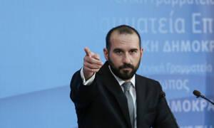 Άγρια επίθεση κατά Τζανακόπουλου: «Είστε προδότες» - Τι απάντησε ο εκπρόσωπος Τύπου