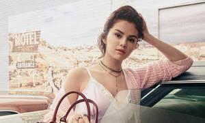 Έγινε ο γάμος που τόσο περίμενε η Selena Gomez και ήταν εκθαμβωτική!