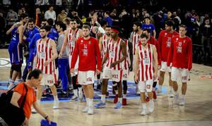 Παίκτης του Ολυμπιακού ψάχνει για πεντικιούρ στην Ελλάδα!