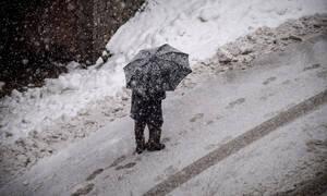 Κακοκαιρία: Πάνω από την Ελλάδα η «Ωκεανίς» - Χαμηλές θερμοκρασίες και χιόνια