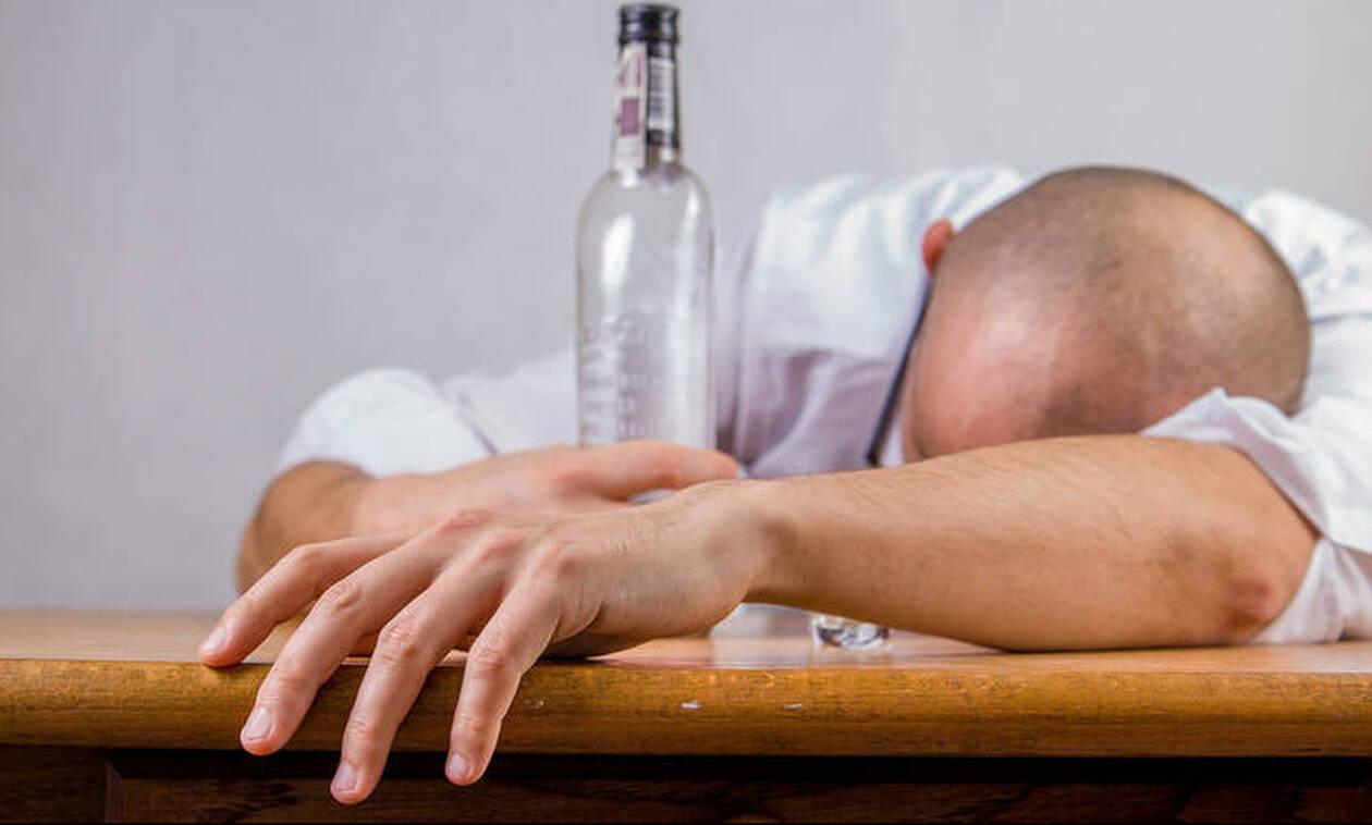 Νέα τραγωδία: Δεκάδες νεκροί από κατανάλωση νοθευμένου αλκοόλ