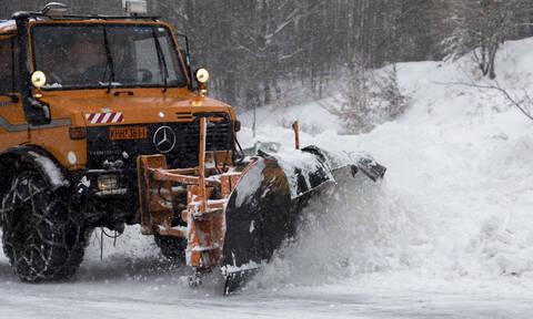Κακοκαιρία «Ωκεανίς»: Τα χιόνια έφτασαν στην Αττική - Ποιοι δρόμοι είναι κλειστοί