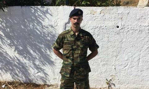 Κηδεία 24χρονου Εύζωνα: «Ράγισαν» καρδιές στην Πάτρα για το νεαρό παλικάρι