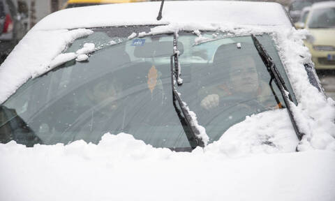 Transport throughout Greece disrupted as ''Oceanis'' weather system brings snow, high winds