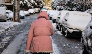 Κακοκαιρία: Σε πλήρη εξέλιξη η επέλαση της «Ωκεανίδας» - Χιόνι και στα Βόρεια Προάστια της Αττικής