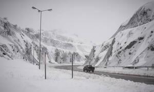 Κακοκαιρία: Κλειστοί δρόμοι και σοβαρά προβλήματα σε όλη την Ελλάδα