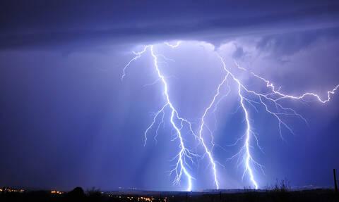 Προειδοποίηση Meteo για την κακοκαιρία: Αυτές τις περιοχές θα «πνίξουν» ισχυρές καταιγίδες