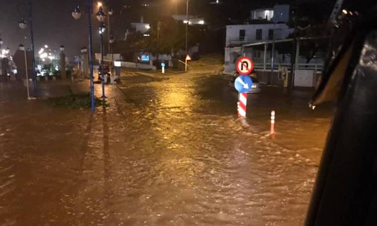 Η κακοκαιρία ισοπέδωσε και τη Μύκονο: Πλημμύρισαν σπίτια κ καταστήματα (pics+vid)