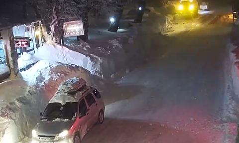 Καιρός: Πάνω από 1.5 μέτρο το ύψος του χιονιού στα Χάνια Πηλίου (Live Cam)