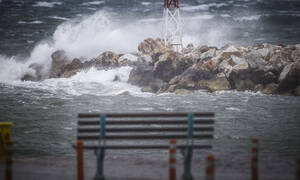 Kακοκαιρία: Σε κλοιό χιονιά και πλημμυρών όλη η Ελλάδα - Πού υπάρχουν προβλήματα