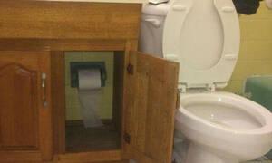 Θεότρελος ή απλά... άχρηστος; Δείτε πού έβαλε το χαρτί της τουαλέτας! (pics)
