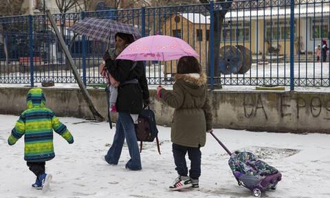 Κλειστά σχολεία τη Δευτέρα (25/02) σε Αθήνα και Περιφέρεια λόγω κακοκαιρίας (ΛΙΣΤΑ)