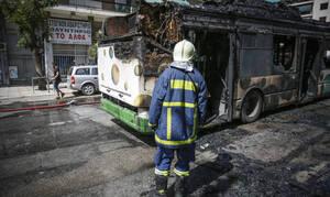 Συναγερμός στη Λεωφόρο Μεσογείων: Στις φλόγες τυλίχθηκε λωφορείο του ΟΑΣΑ