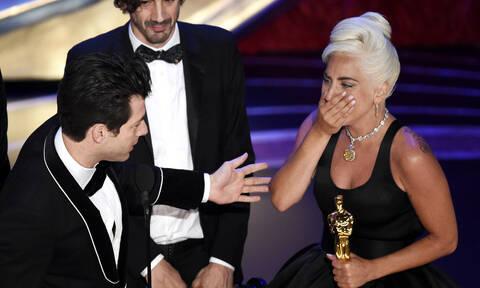 «Shallow»: Όσκαρ Καλύτερου Τραγουδιού για τη Lady Gaga - Η μαγική στιγμή που... έριξε το Ίντερνετ!