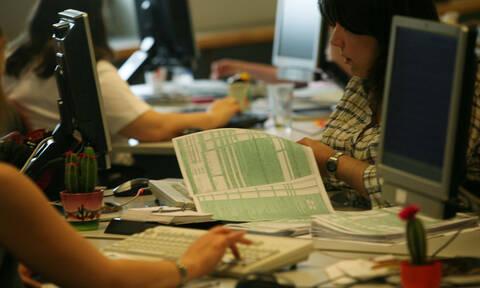 120 δόσεις: Ποιους αφορά η ρύθμιση των ασφαλιστικών οφειλών - Τι ισχύει με τα χρέη στην Εφορία
