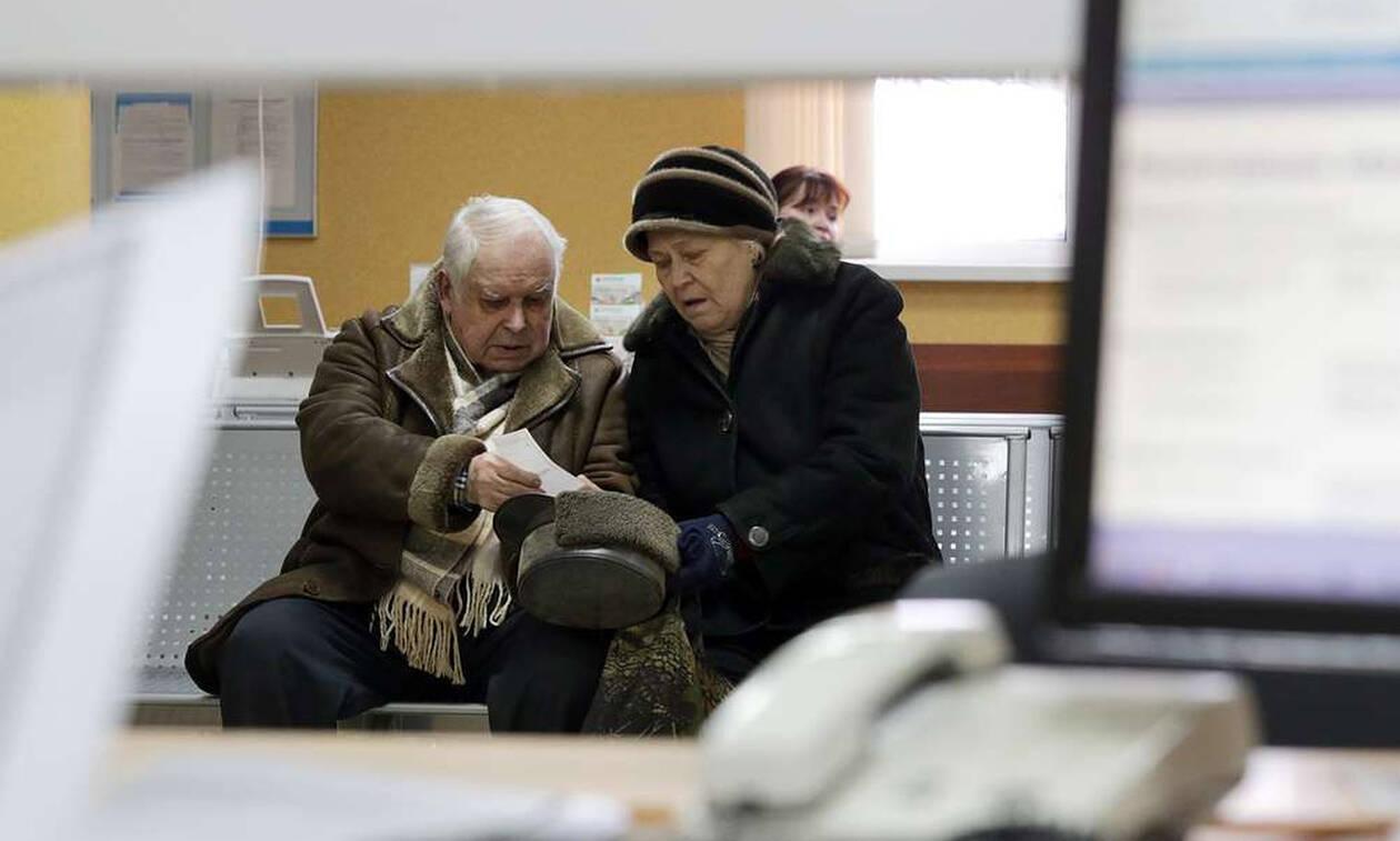 Малообеспеченные пенсионеры смогут получать доплаты сверх прожиточного минимума