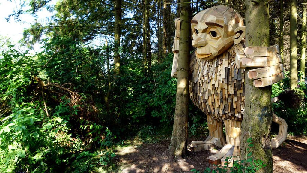 I-am-creating-hidden-giants-in-the-beautiful-wilderness-of-Copenhagen-5902f2cb432be__880.jpg