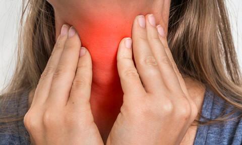 Υποξεία θυρεοειδίτιδα: Με ποια συμπτώματα εκδηλώνεται και πως αντιμετωπίζεται