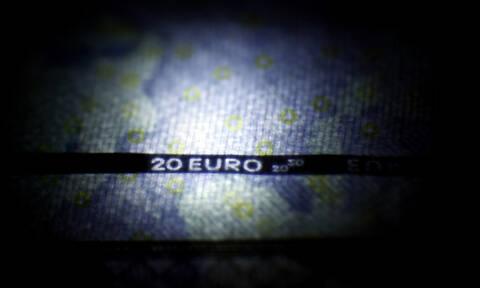 Συναγερμός στη Ρόδο: Θα ταξίδευε με 120.000 ευρώ στη βαλίτσα της!