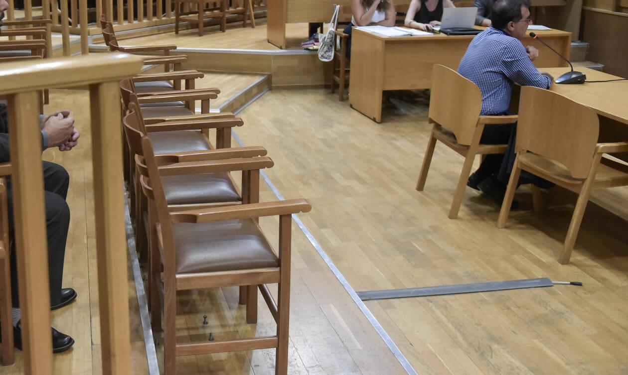 Άρση της βουλευτικής ασυλία του πρώην υπ. Υγείας Μάριου Σαλμά ζητά η Εισαγγελέας κατά της Διαφθοράς
