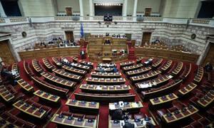Κακός χαμός στη Βουλή για την υπόθεση παιδεραστίας του Νίκου Γεωργιάδη